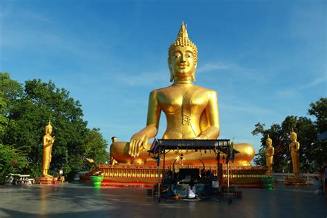 Big Buddha temple in Pattaya - best tips for sightseeing